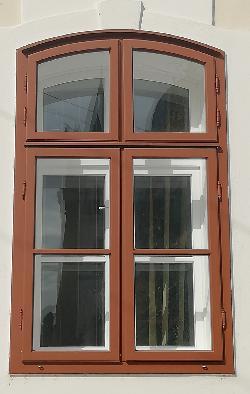 Gerébtokos műemléki ablak 01